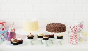 Enjoy Midnight Cake Delivery In Surat For Any Party